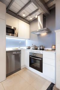 Küche/Küchenzeile in der Unterkunft The Sibarist Casa Ópera