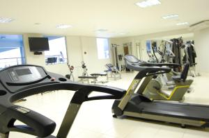 The fitness center and/or fitness facilities at Veredas - Rio Quente Temporada