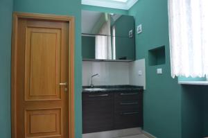 A kitchen or kitchenette at Suite 41