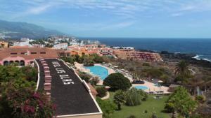 Een luchtfoto van Hotel-Apartamento Las Olas