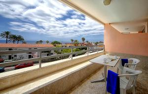 A balcony or terrace at Apartamentos Montemar