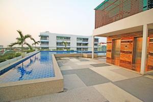The swimming pool at or near Laguna Bay 2 by Pattaya Sunny Rentals