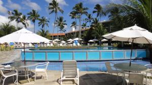 A piscina localizada em Marulhos Resort Flats ou nos arredores