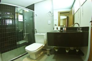 A bathroom at Hotel Innflat-Business