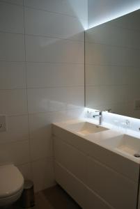 A bathroom at Loft Seepromenade