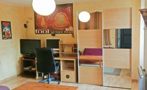 The business area and/or conference room at Studio Crosaz