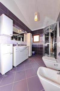 Kuchyňa alebo kuchynka v ubytovaní Apartments Maslina Božava