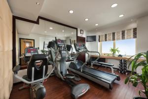 O centro de fitness e/ou as comodidades de fitness de Savoy Park Hotel Apartments