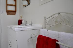 A bathroom at Shunters Cottage