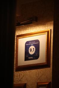 Sertifikatas, apdovanojimas, ženklas ar kitas apgyvendinimo įstaigoje President Apartments by WarsawResidence Group matomas dokumentas