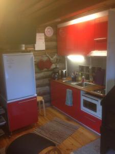 Majoituspaikan Ranta Äärelä keittiö tai keittotila