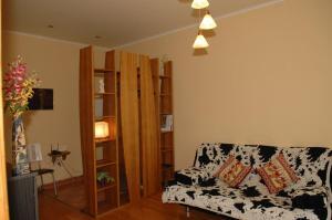 A seating area at Apartment on Naberezhnaya 22