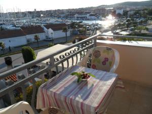 A balcony or terrace at Apartments Marina View