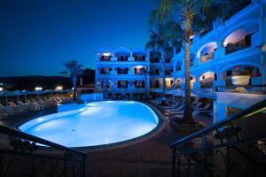 Zante Atlantis Hotel游泳池或附近泳池