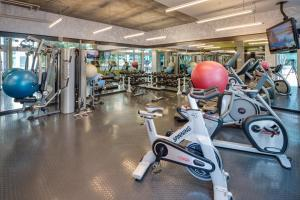 The fitness center and/or fitness facilities at Stay Alfred on 10th Avenue