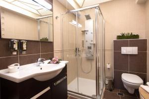 Ένα μπάνιο στο Leste Luxury Homes