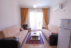 A seating area at Burak Apart Hotel