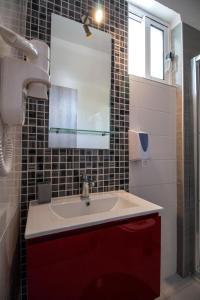 A bathroom at Kastri Boutique Beach