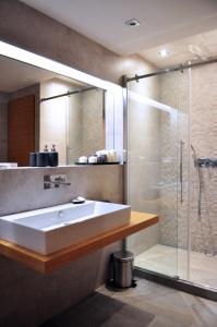 A bathroom at Boris' apartments Charles Bridge