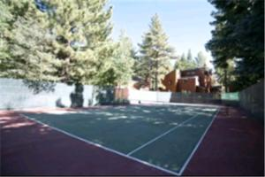 Tennis and/or squash facilities at Meadow Ridge Condos by Mammoth Slopes Lodging or nearby