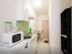 A kitchen or kitchenette at Resthouse Myakinino