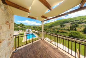 A balcony or terrace at Eden Villas