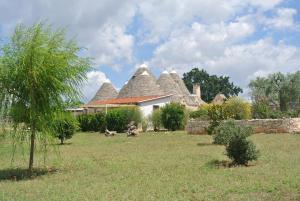 A garden outside Trulli Paparale
