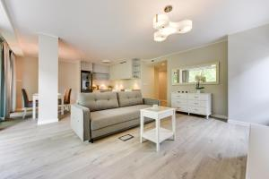 The lounge or bar area at Lapwing Residence Sopot