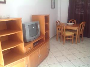 A television and/or entertainment center at AlturaMar