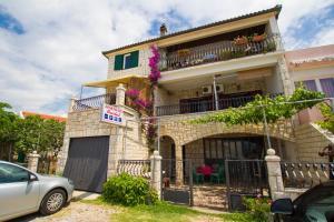 The facade or entrance of Apartments Bartul