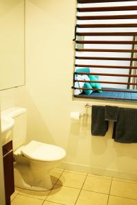 A bathroom at Asanti Agnes Water Surfing Beach