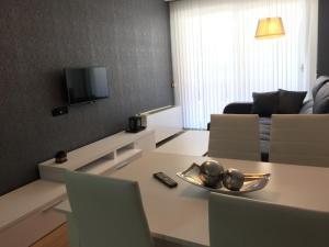 The lounge or bar area at Apartamento Mauricio Legendre 16