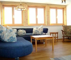 Ein Sitzbereich in der Unterkunft Haus Dreiländerblick