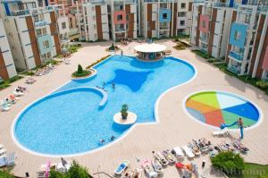 A view of the pool at Sun City I Apartments or nearby