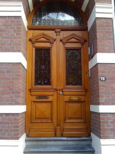 The facade or entrance of Le Home