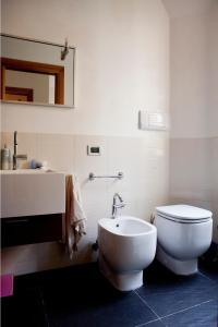 A bathroom at Nichy House
