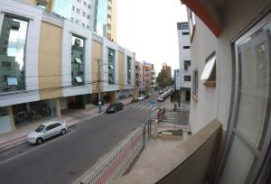 A balcony or terrace at Apartamento Central - Baln. Camboriú