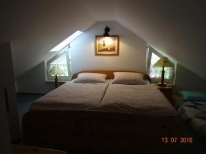 Ein Zimmer in der Unterkunft Ferienwohnung Hermannstein