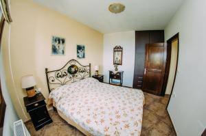 A room at Manolies