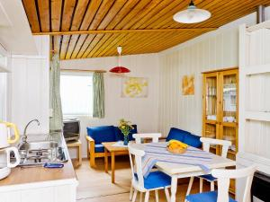 Lounge oder Bar in der Unterkunft Holiday Home Geesthof.2
