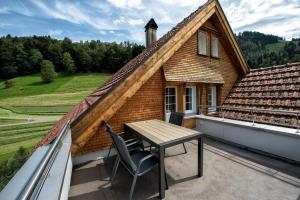 Ein Balkon oder eine Terrasse in der Unterkunft Hof Mazenau