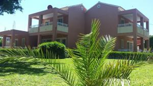 Een tuin van Apartments Maria