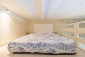 A bunk bed or bunk beds in a room at Welcome Puerta del Sol