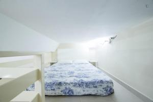 A bed or beds in a room at Welcome Puerta del Sol