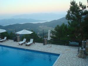 The swimming pool at or close to Villa Merlot 2