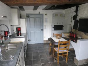 Küche/Küchenzeile in der Unterkunft Ferienwohnungen Haus Hinneres