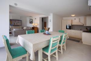 Kuchyň nebo kuchyňský kout v ubytování Villa Perun