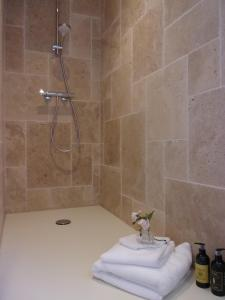 Salle de bains dans l'établissement Le Clos Caché