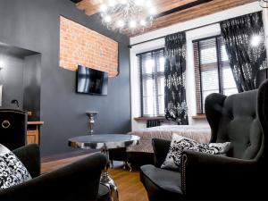 The lounge or bar area at Leonardo 2