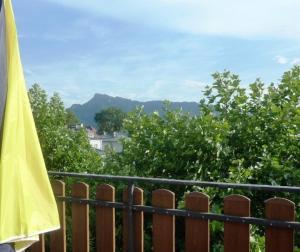 Ein Balkon oder eine Terrasse in der Unterkunft StudioApartments Haus Schneider